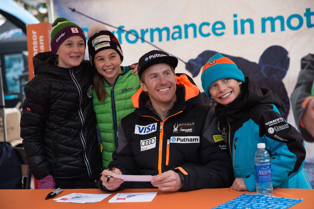 Ted Ligety signs his autograph | NASTAR